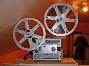 Elmo 700m-fähig (Seitenansicht eines Elmo ST-1200 HD mit installierter Low-Cost-Einheit und Film)