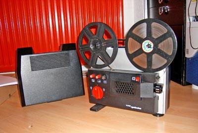 Projektor Porst Synchrolux (Seitenansicht rechts)