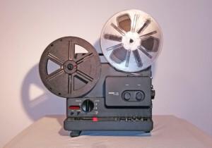 Projektor Bauer T520 duoplay (Seitenansicht rechts mit Spulen)