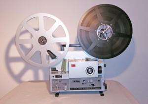 Projektor Elmo ST-1200 HD magnetic & opticak (Seitenansicht rechts mit Spulen)
