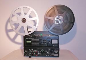 Projektor Revue Lux Stereo 80 (Seitenansicht rechts mit Spulen)